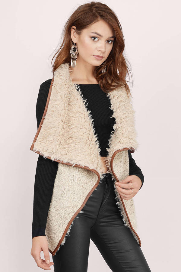https://cdn.tobi.com/product_images/md/2/khaki-keep-it-cozy-shearling-vest.jpg