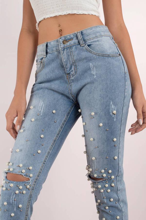 trendy light wash jeans pearl embellished jeans knee