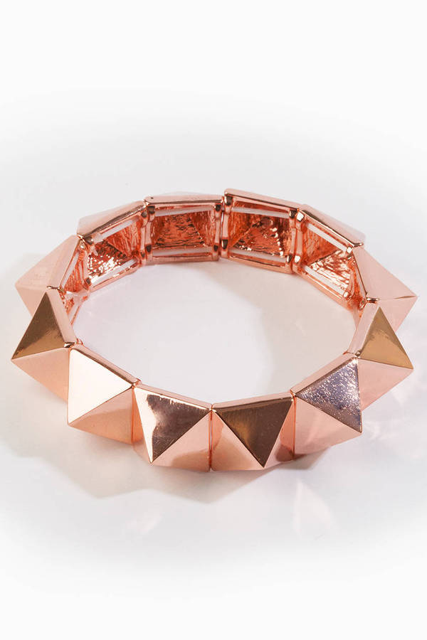On Point Pyramid Bracelet