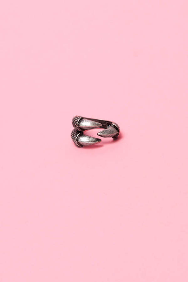 Clawed Ring