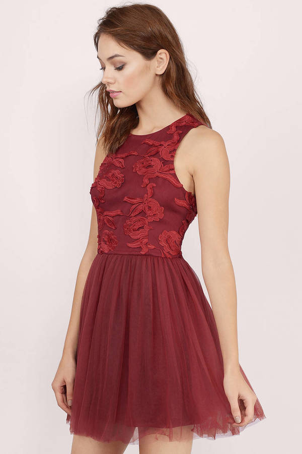 Collection Maroon Dresses For Juniors Pictures - Reikian