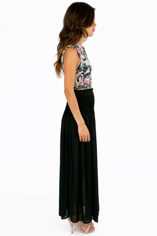 Pleats Aplenty Maxi Skirt