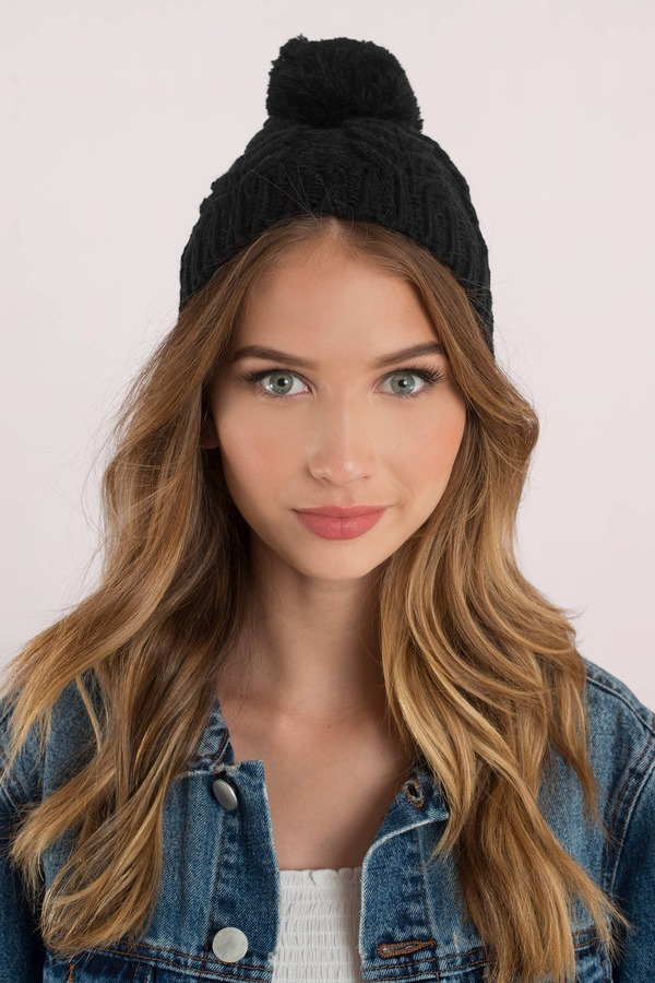Seasons Changing Blush Pom Pom Beanie by Tobi