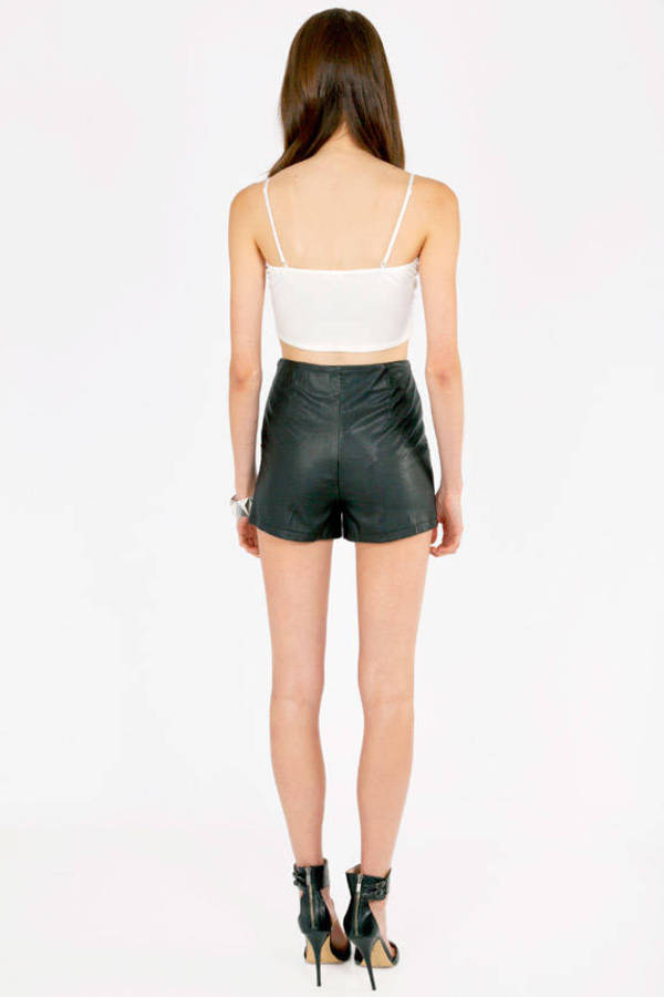 Stefani Scalloped Shorts