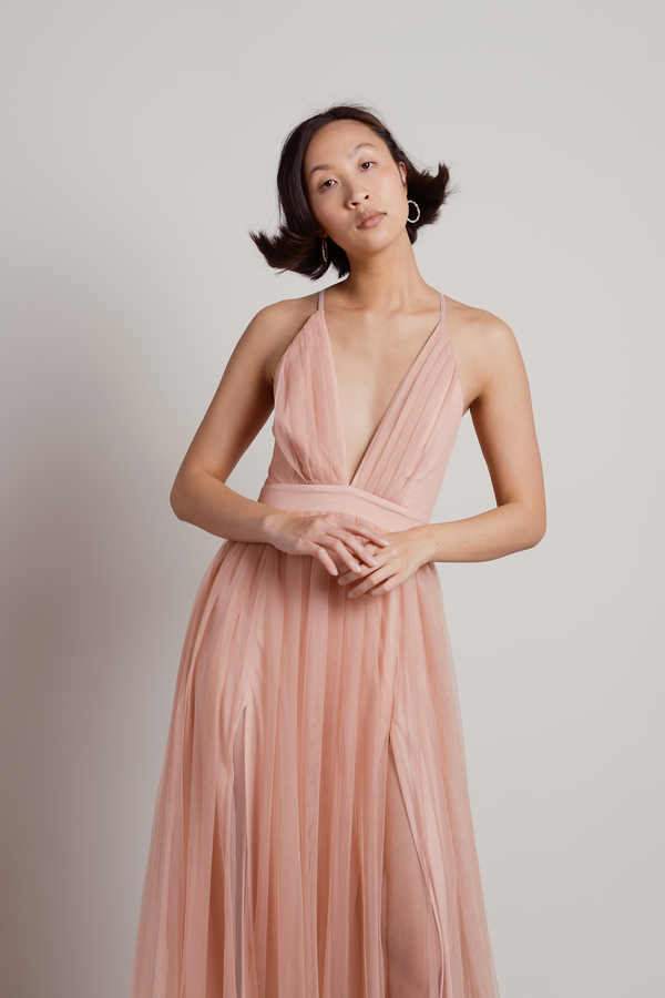 39a44f419b Here To Slay Blush Plunging Maxi Dress - £130 | Tobi GB