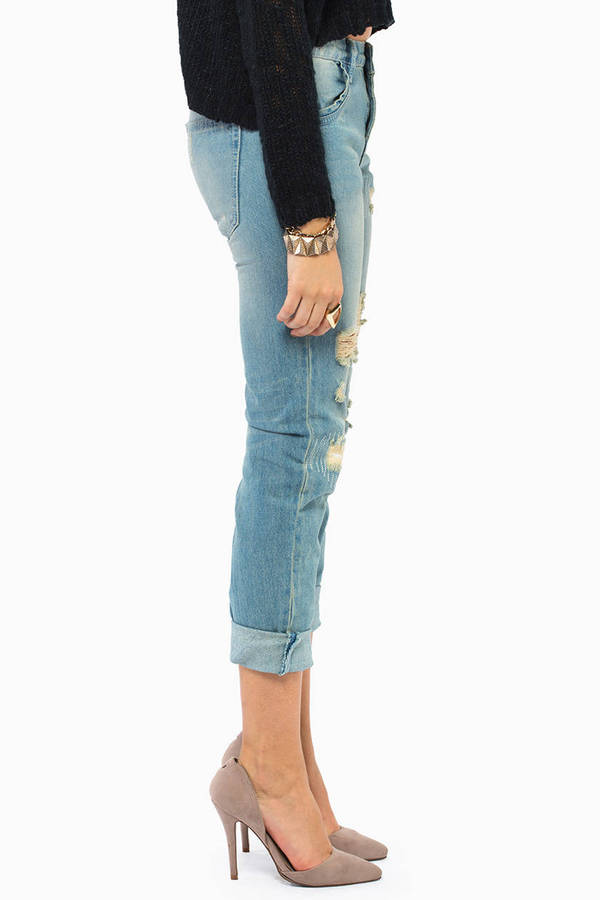 Slacking Off Boyfriend Jeans