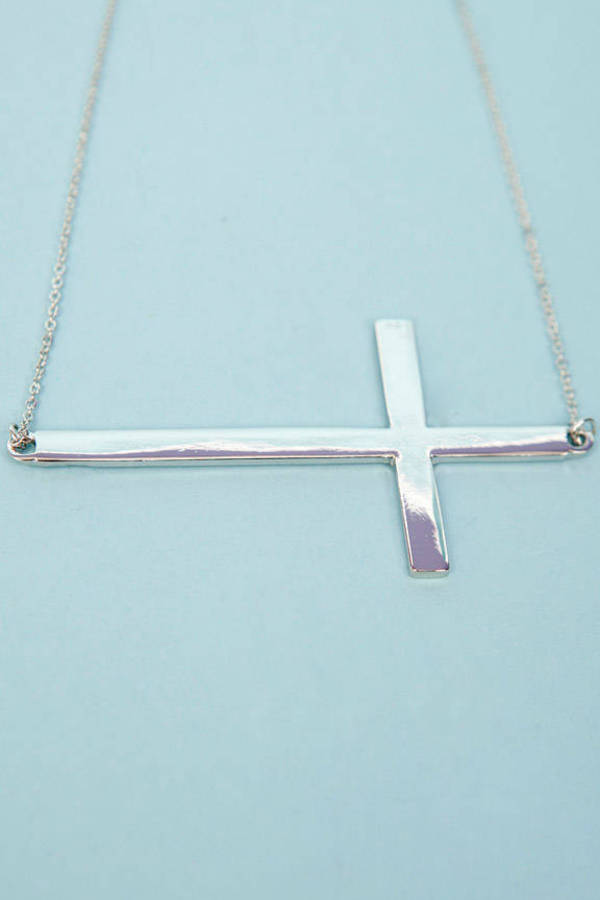 King's Crossing Necklace