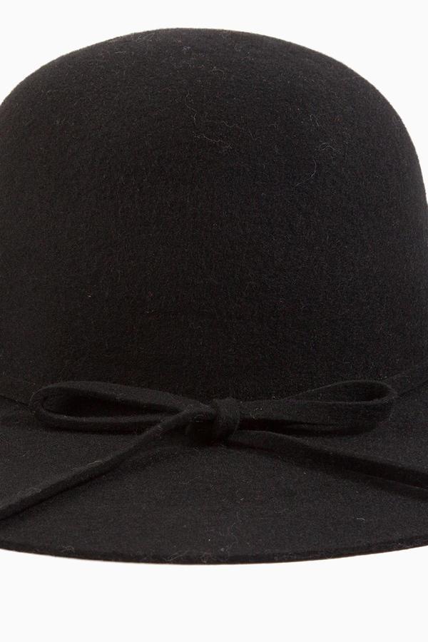 Finding Carmen Hat