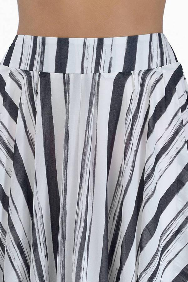 Full of Charm Skirt