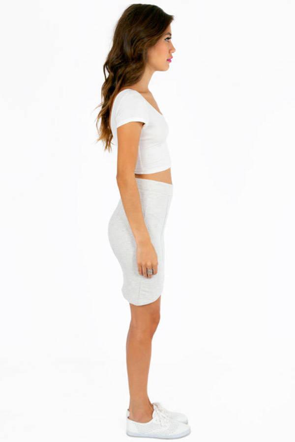 Curvy Bottom Skirt