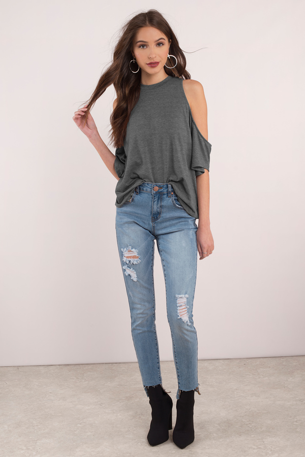 cd929ce5cdbc9e Double Tap To Zoom. Check out Tobi s Mala Cold Shoulder Top ...