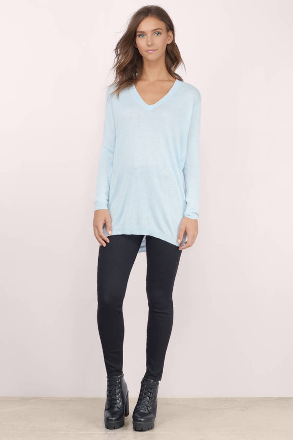 What To Wear Under A Light Blue Sweater 19