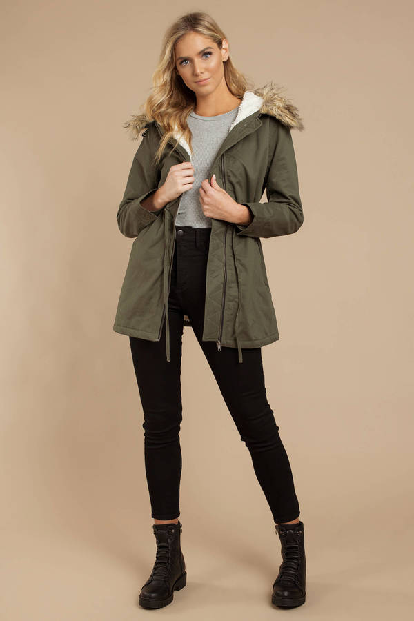 olive green parka with fur trim hood | Vinterjakke