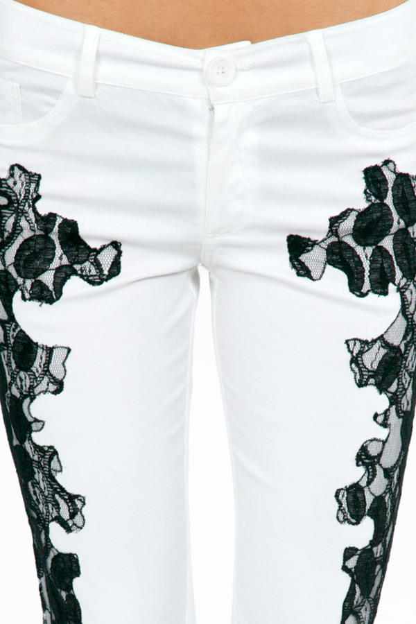 Lace On My Side Skinny Jeans