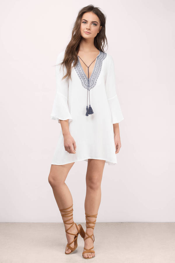 Chic white day dress embroidered