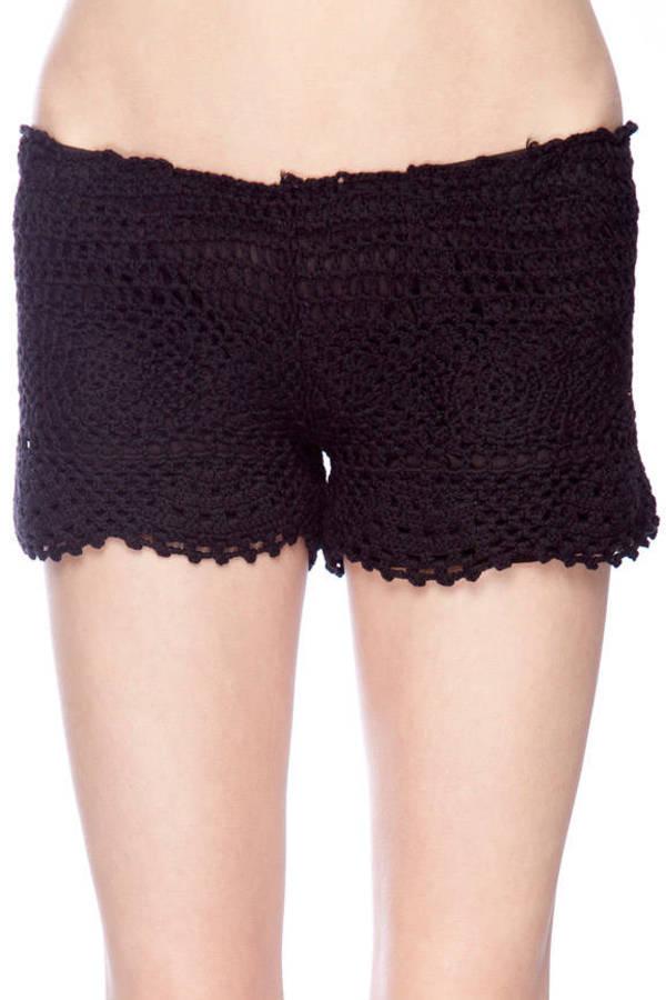 Crochet Pull On Shorts