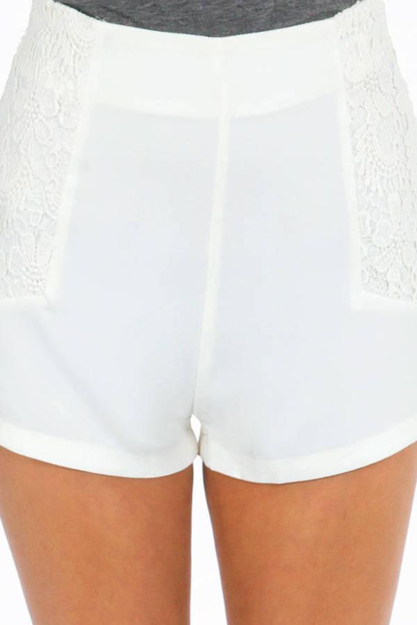 Cutesy Crochet Pocket Shorts