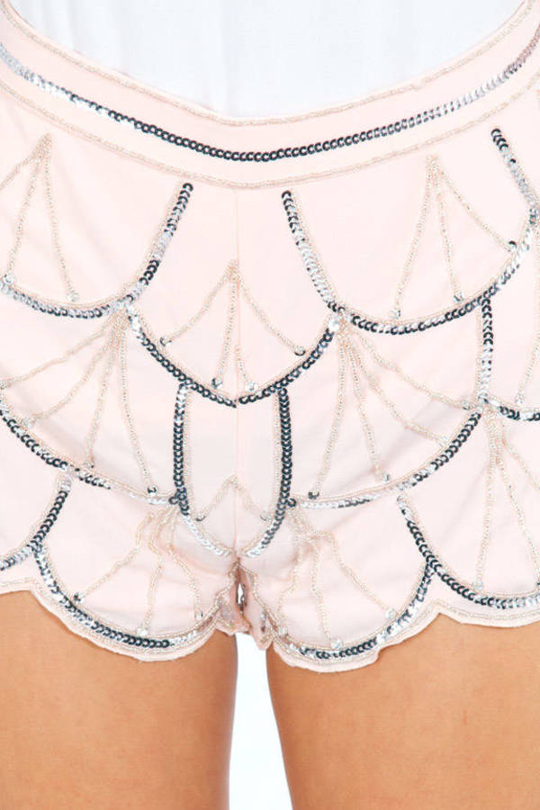 Outlining Sequin Scallop Shorts