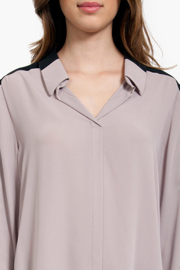Dobby Contrast Placket Blouse